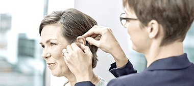 symptoms of hearing loss