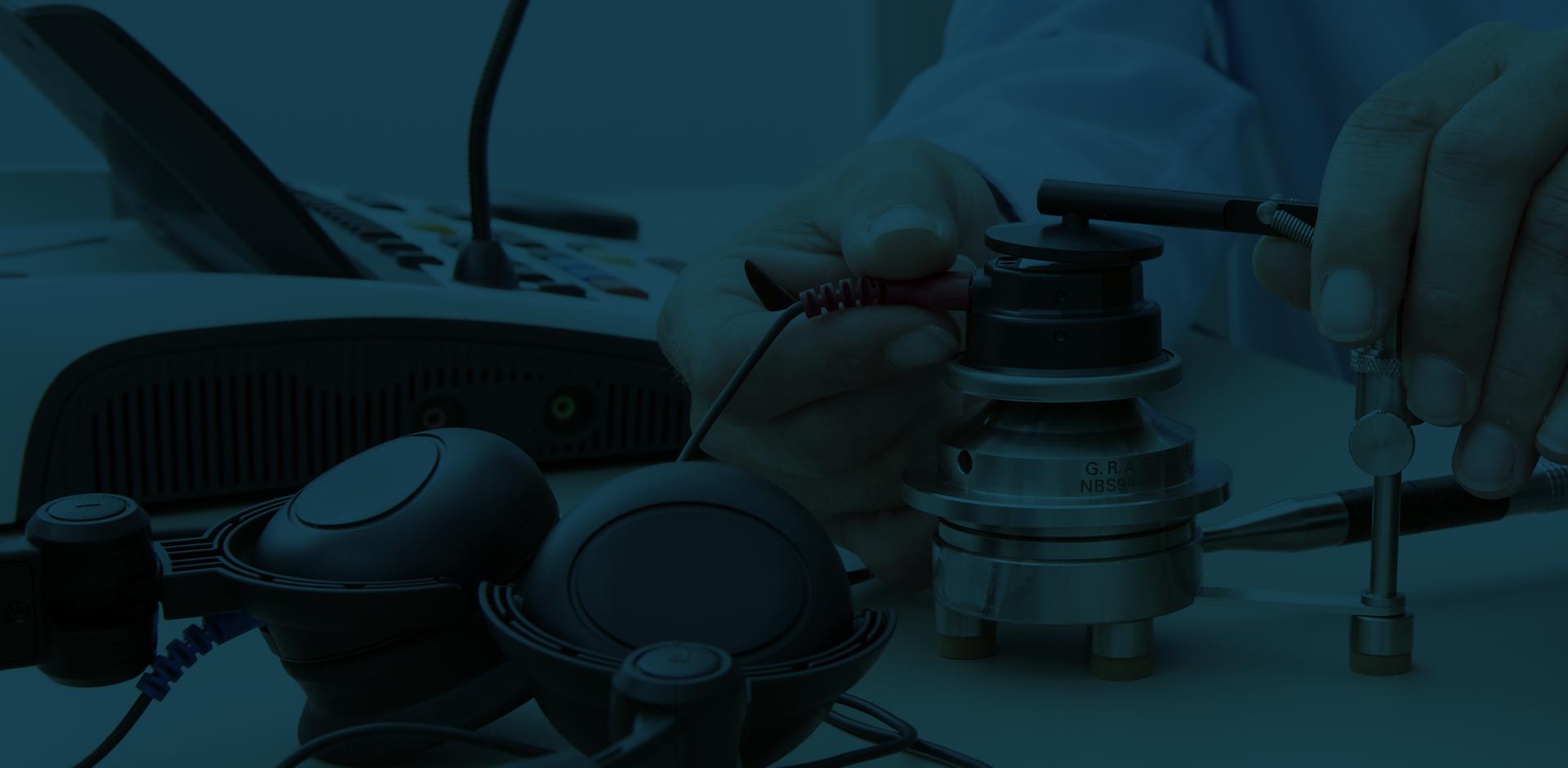 A man from Diatec Diagnostics operating calibration equipment