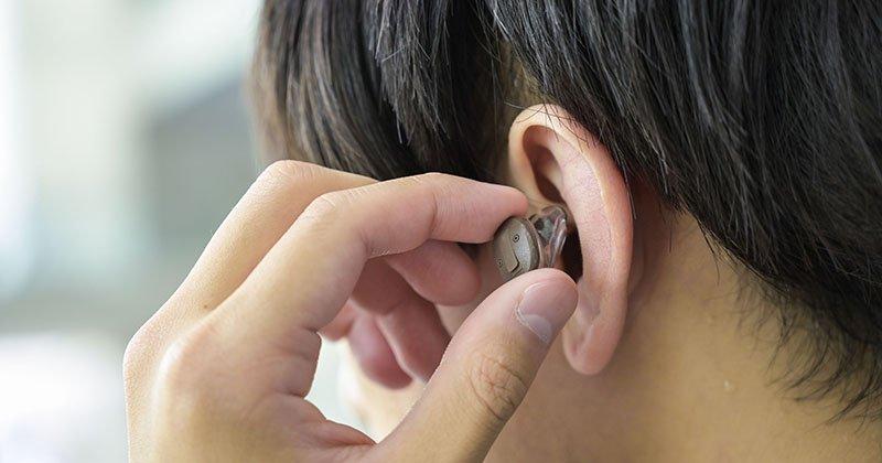 オープン 耳あな型装用シーン