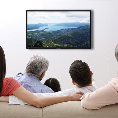 oticon_watching_tv_135060446-382x382